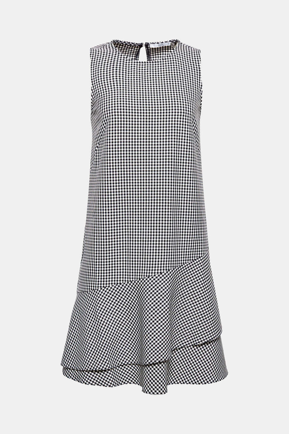 Classic gingham checks meet pretty flounce detail: this dress completes any outfit with its charming style.