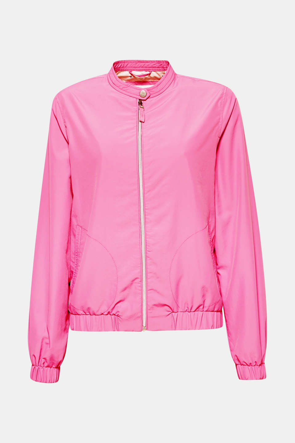 Start off spring in style with this lightweight bomber jacket in a clean, sporty style!