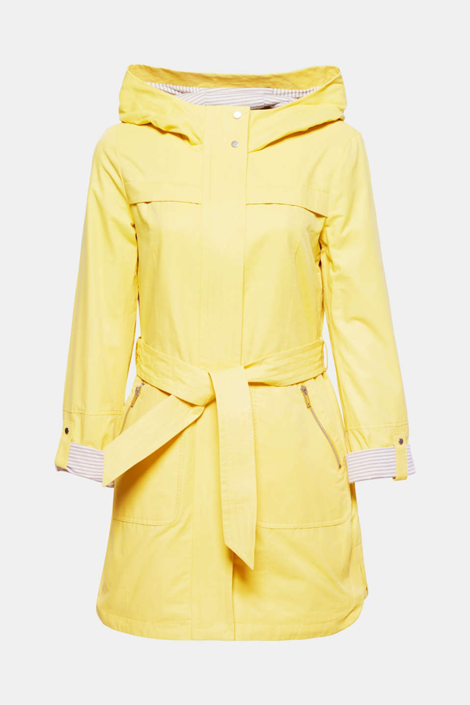 This trench parka lined with jersey in a robust cotton blend is sporty, functional and chic.