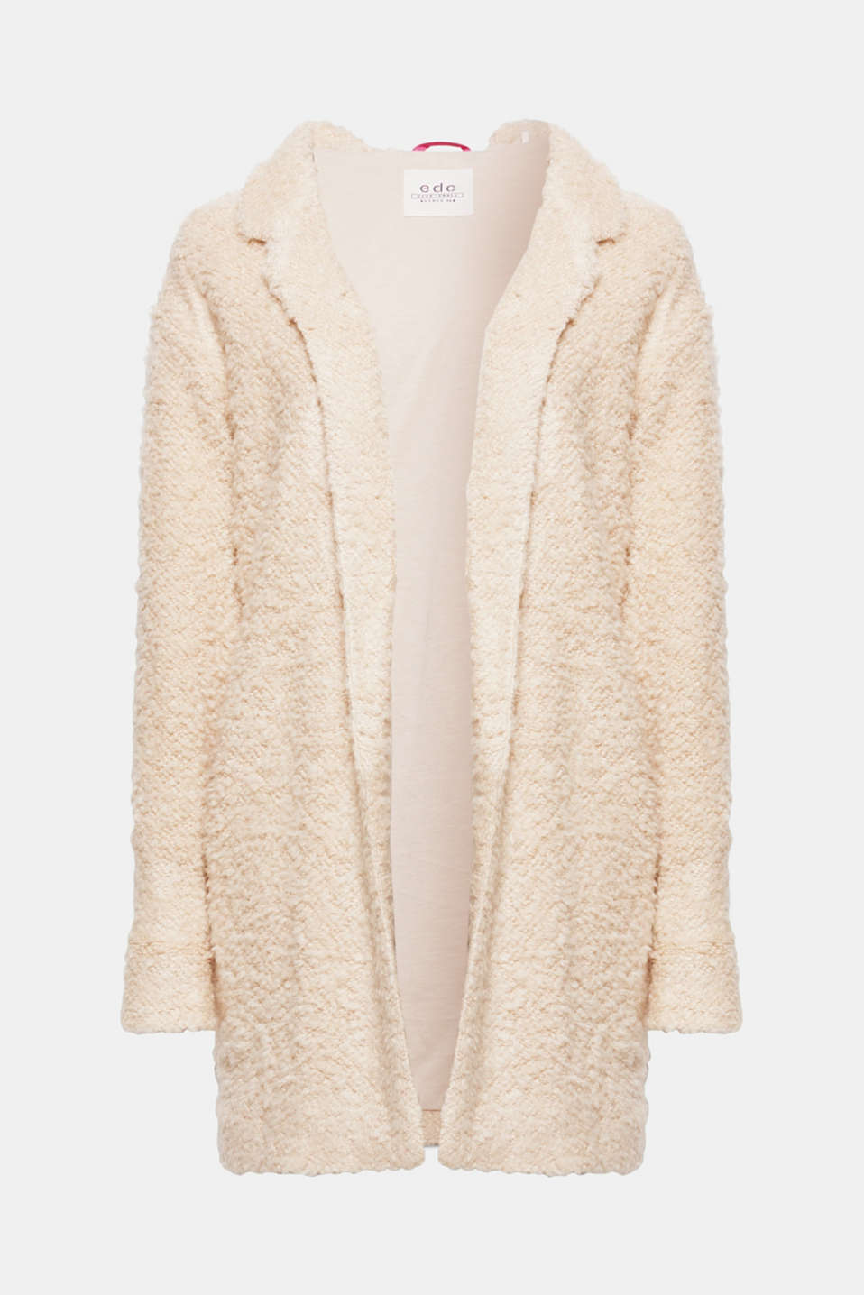 Trendy, simple and lightly warming, this soft bouclé jacket can be simply thrown on.