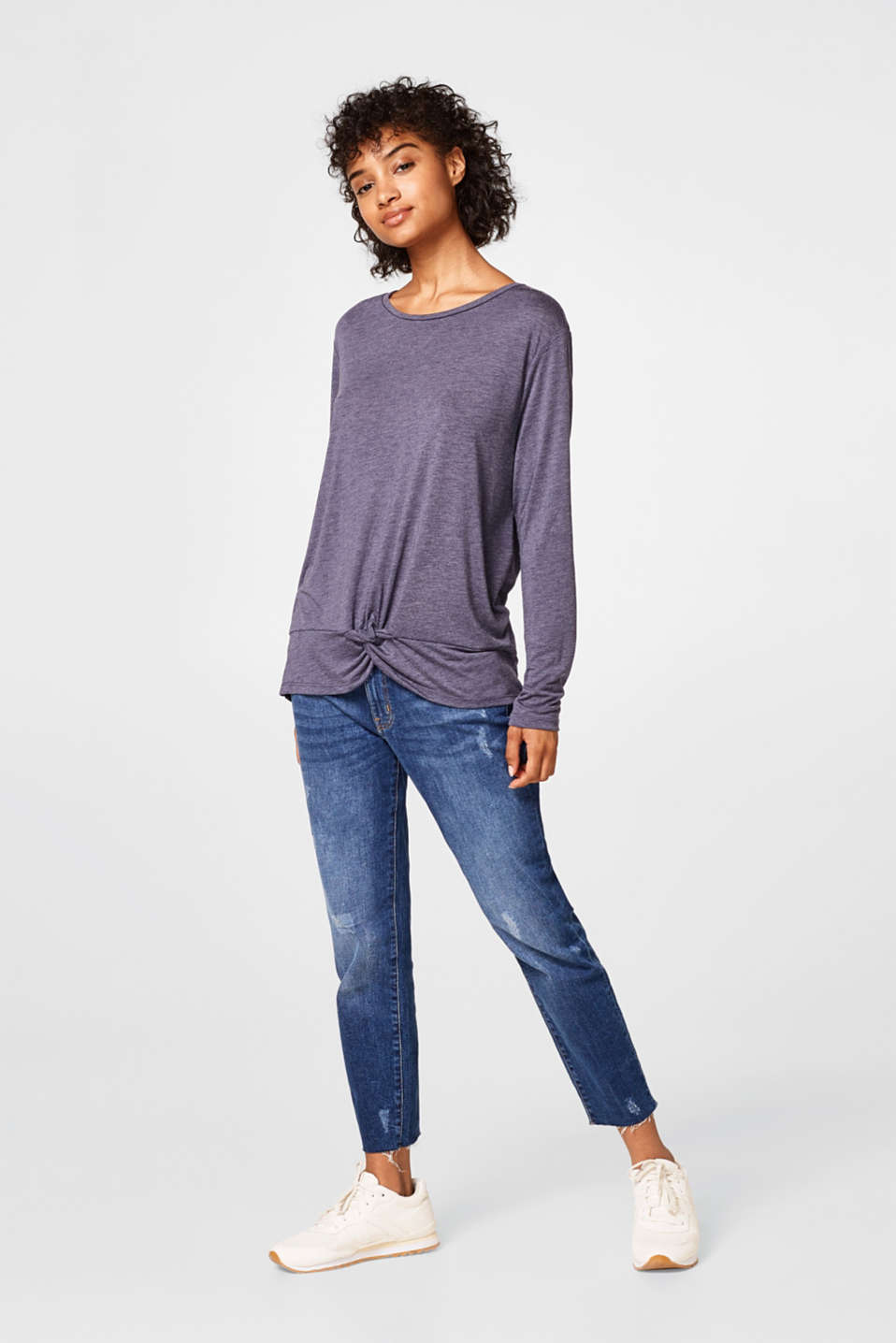 Oversized top with a knotted detail