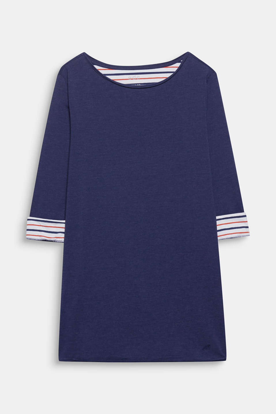 This long sleeve top in soft jersey with a flared silhouette and striped details is a casual, comfy style!