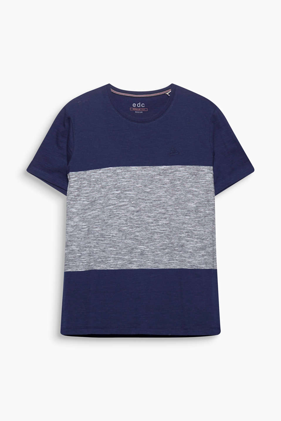Block stripes in an exciting texture mix make this T-shirt an essential for your street look.