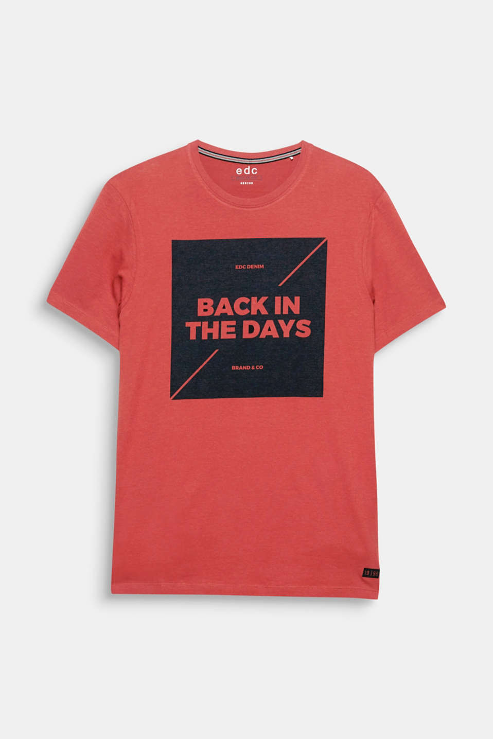 Back in the days! The tone-in-tone, printed slogan makes this T-shirt look mega modern.