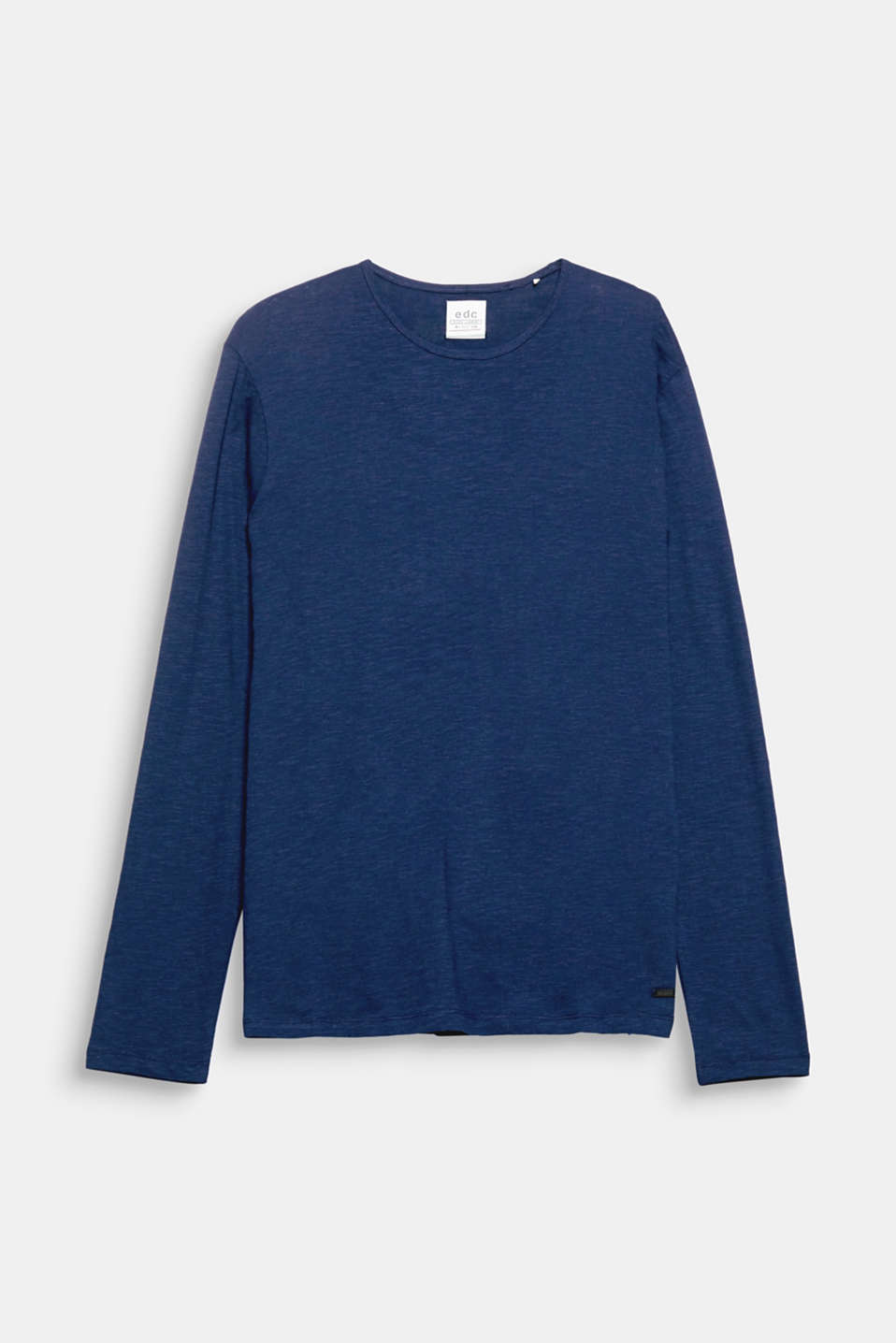 Fashion basic begging for wardrobe space: this long sleeve top in pure cotton.
