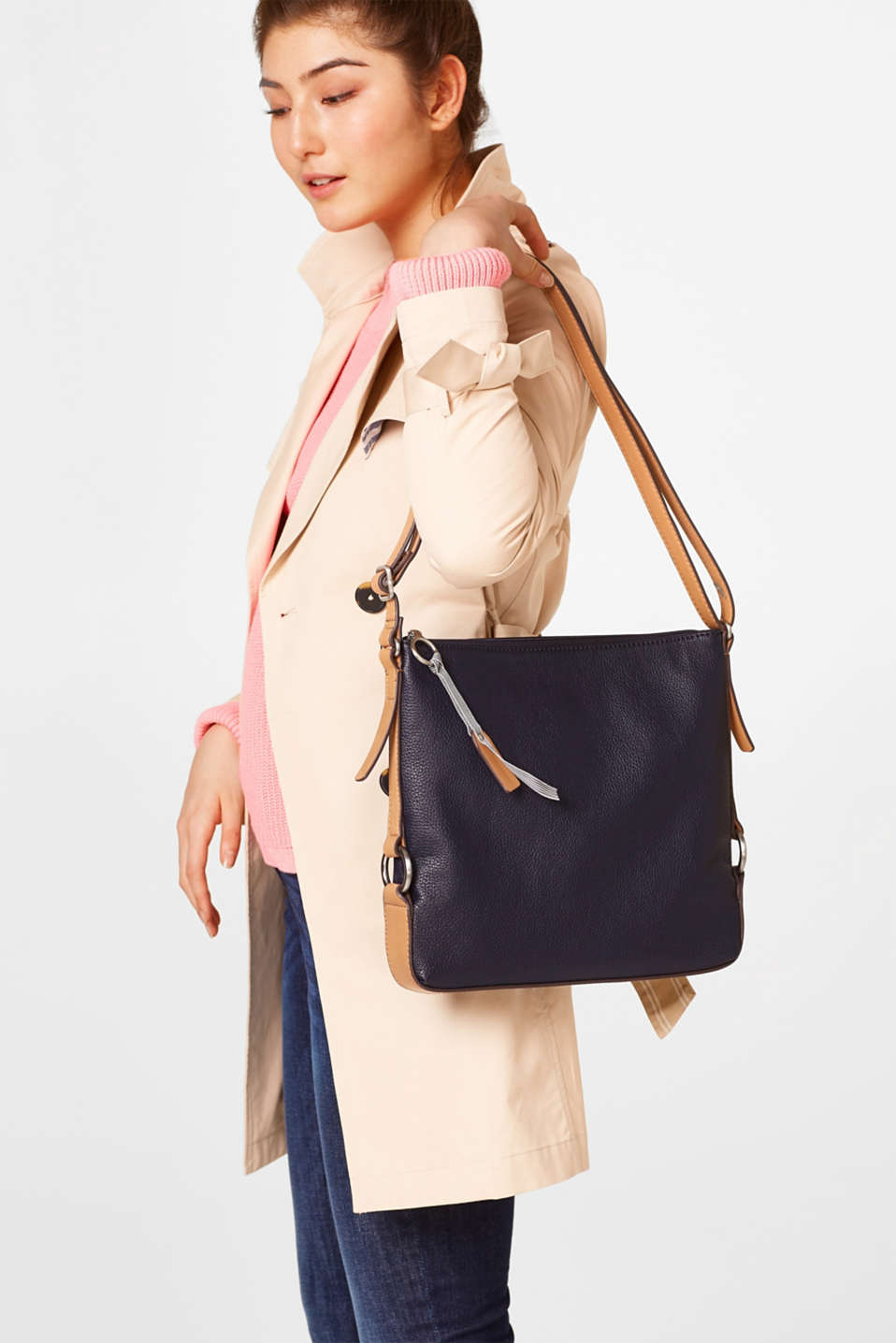 Shoulder bag in grainy faux leather