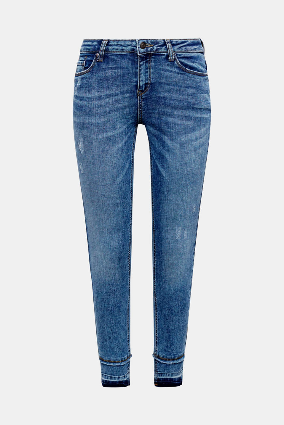 Vintage effects, a cool dye and leg hems in a trendy elongated look make these jeans a must-have piece!
