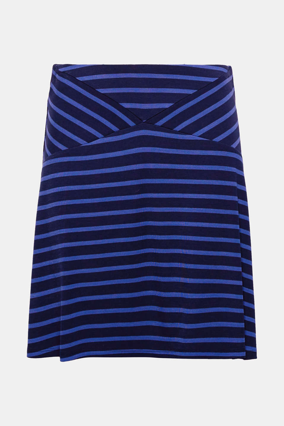 The stripes and the lightweight jersey material give this skirt a particularly floaty finish.