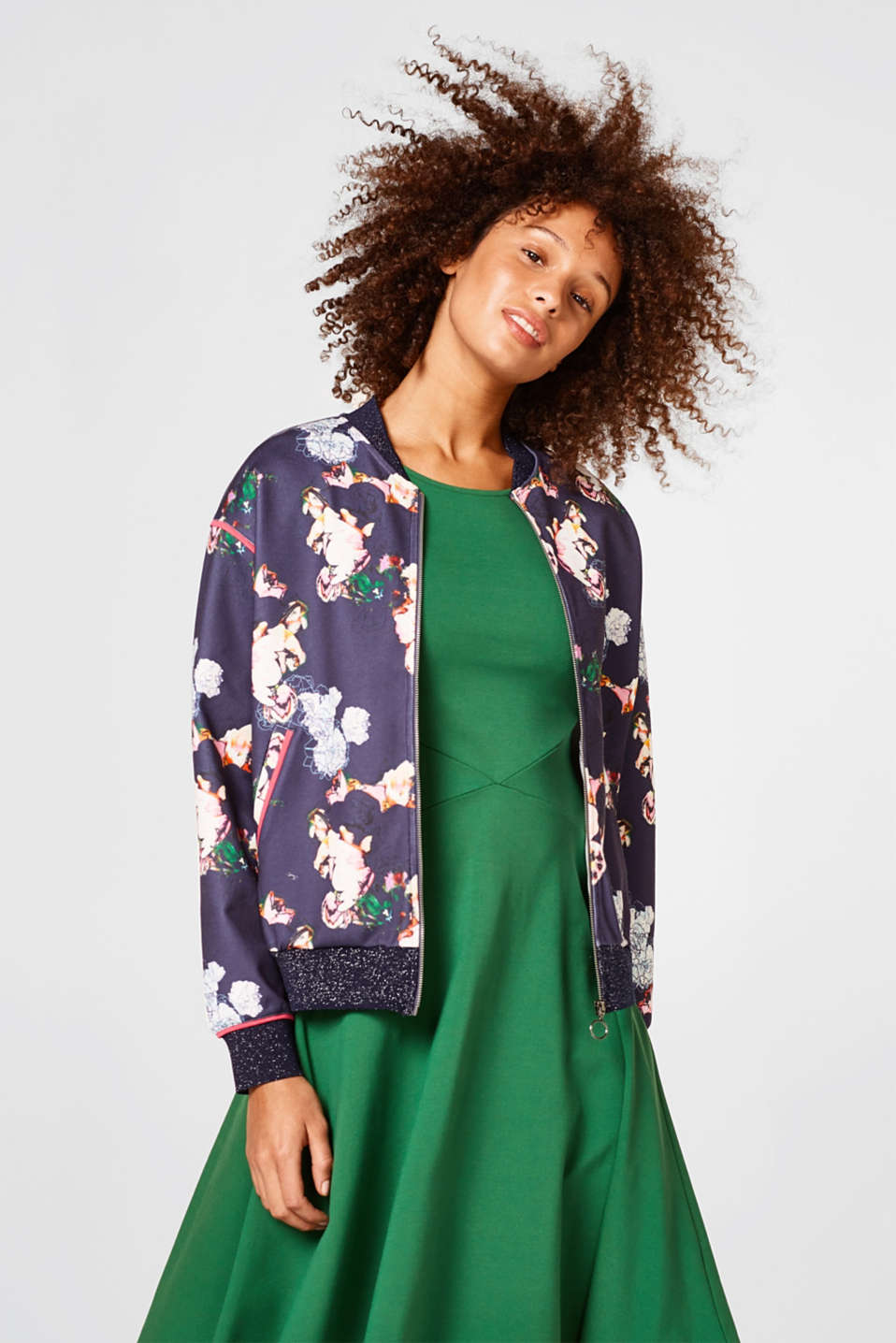 Esprit - Printed bomber jacket in firm jersey