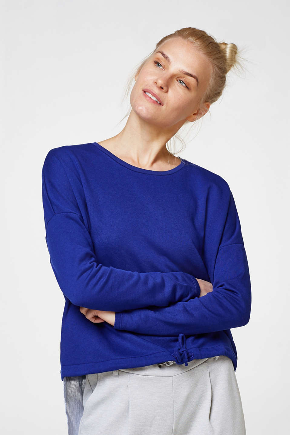 Esprit - Sweatshirt with a fabric hem at the back