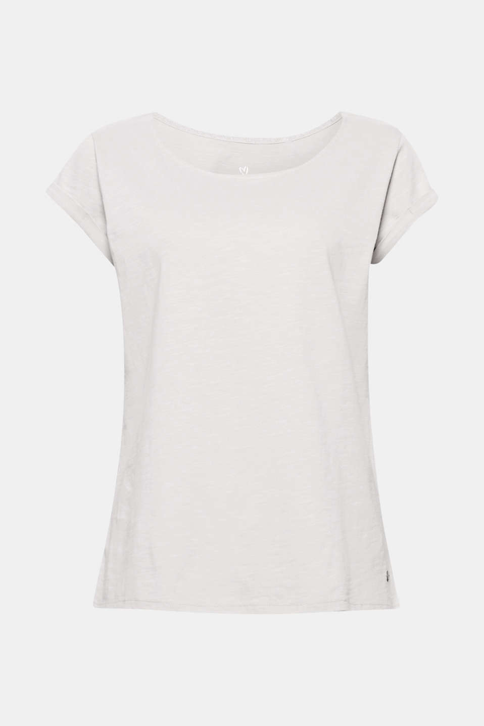 This slub T-shirt in gently processed organic cotton is soft against the skin and easy to style.