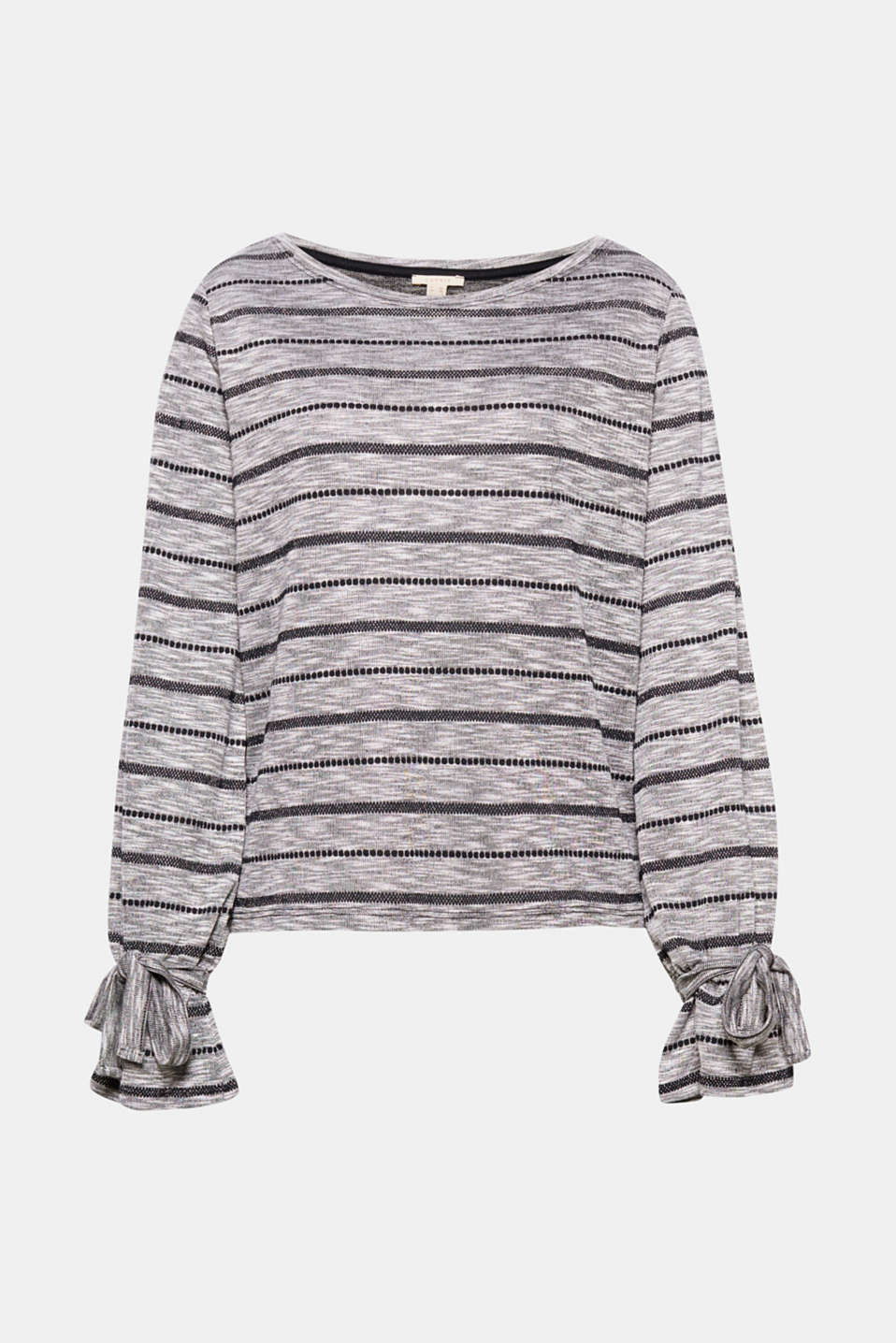 So much fashion in just one piece: this long sleeve top has a melange finish, stripes and pretty sleeves!