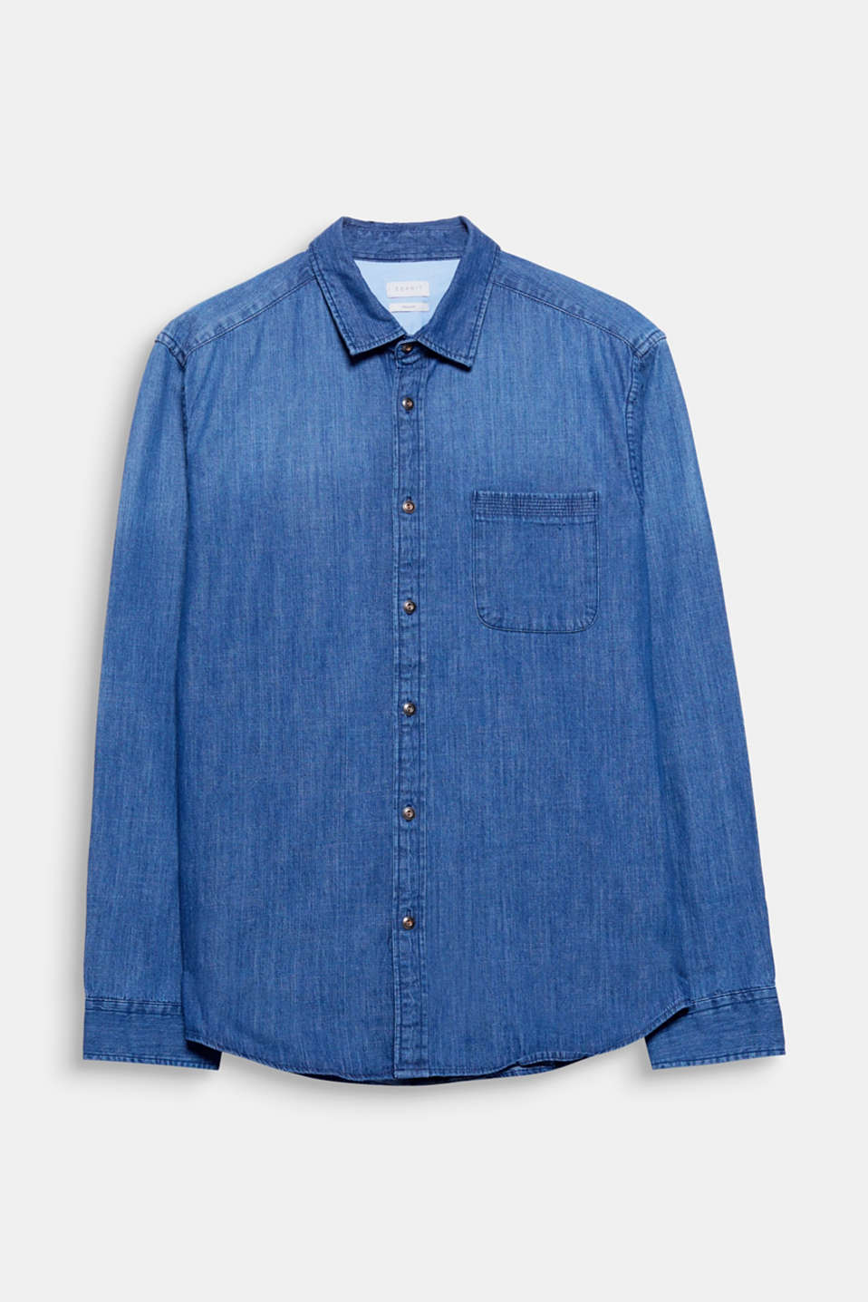 An urban classic: this denim shirt. This design wows with a slight melange finish and fine details.