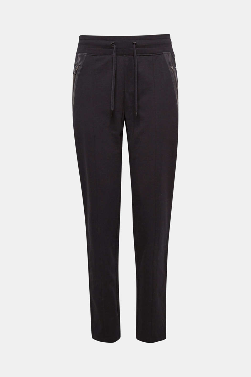 The decorative, rubberised trims on the zip pockets make these sweat tracksuit bottoms stylishly eye-catching!