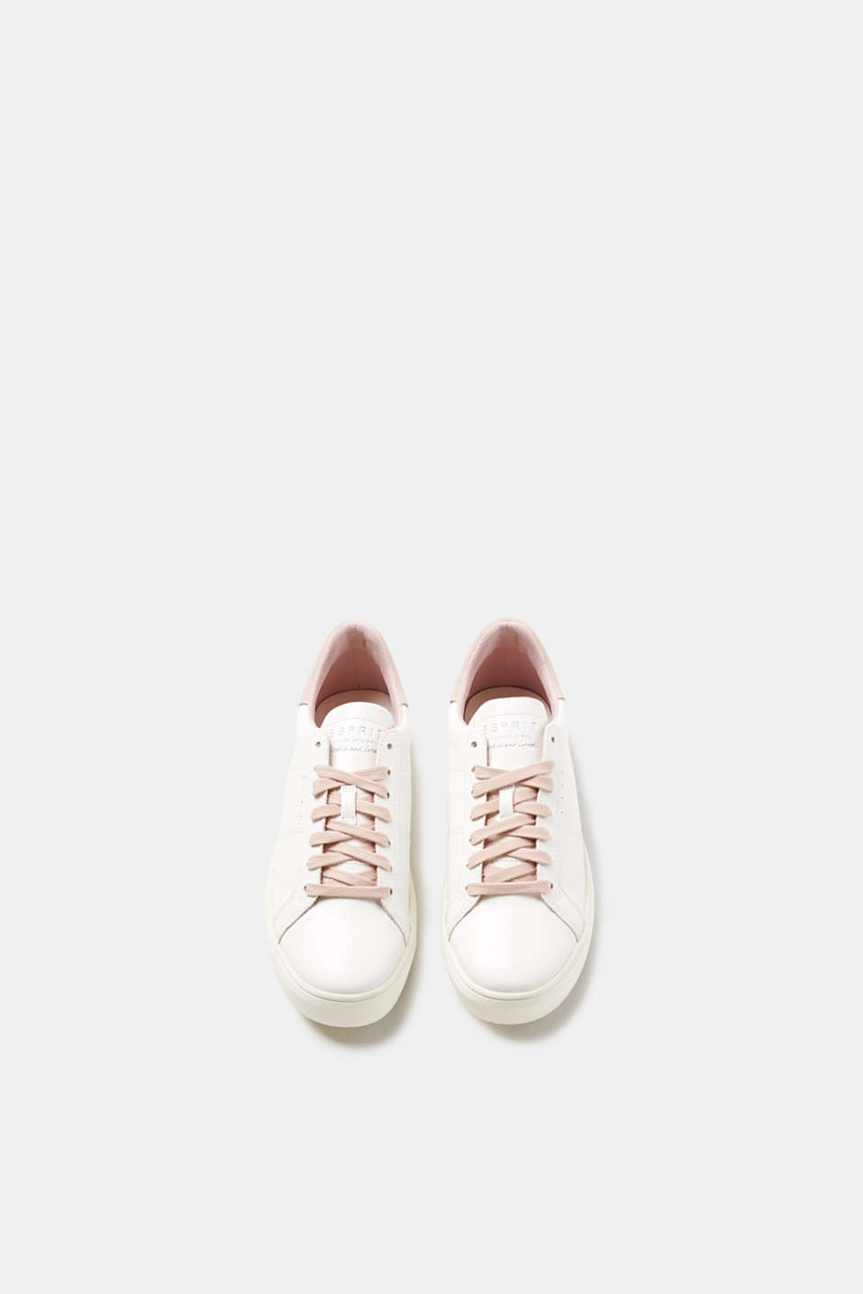 Trendy trainers with contrasting details