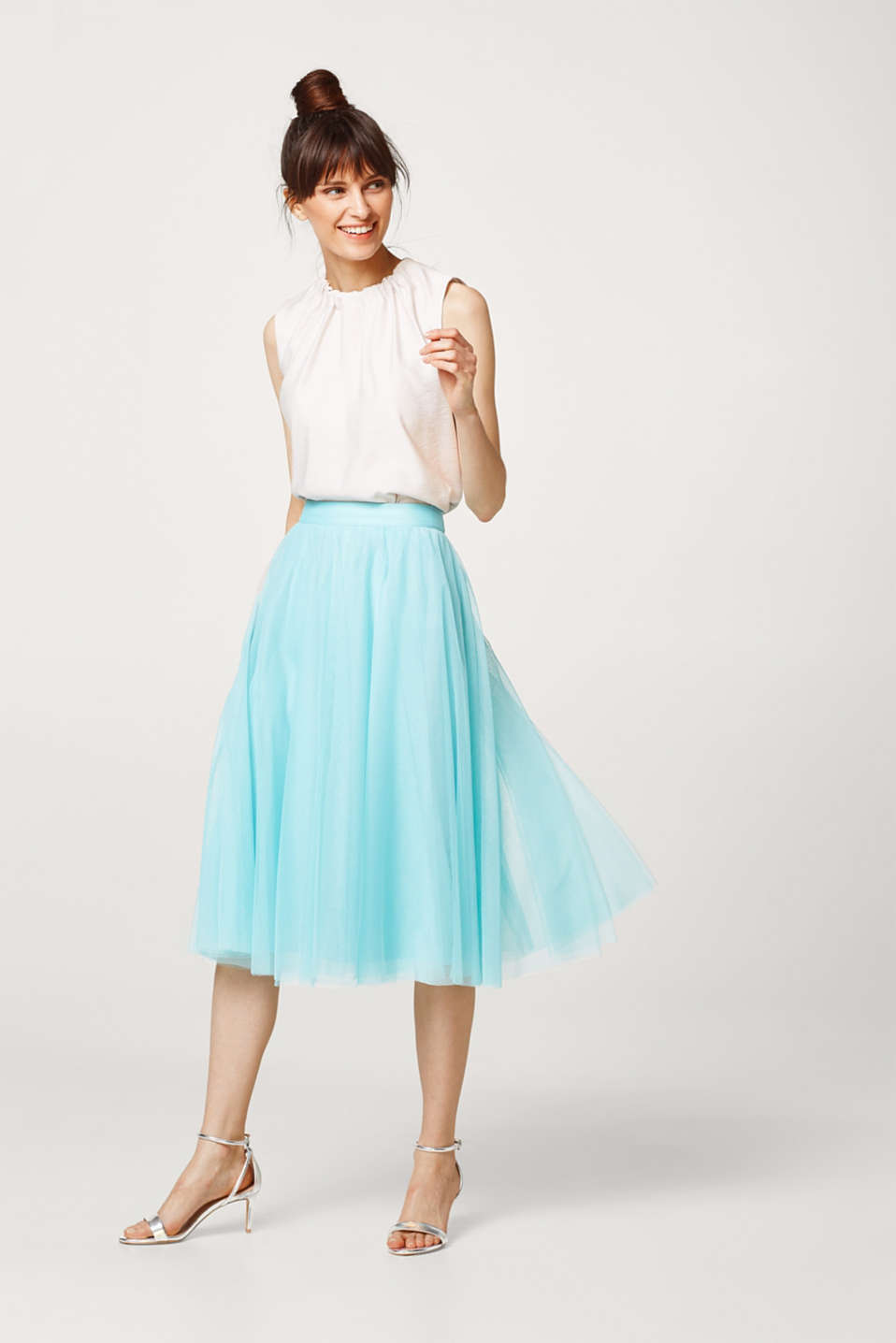 Tulle skirt in a stylish midi length