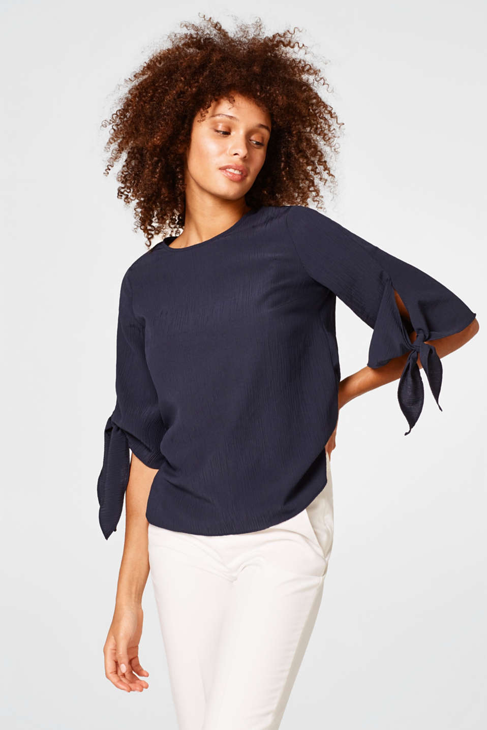 Esprit - Flowing crinkle blouse with knotted sleeve ends