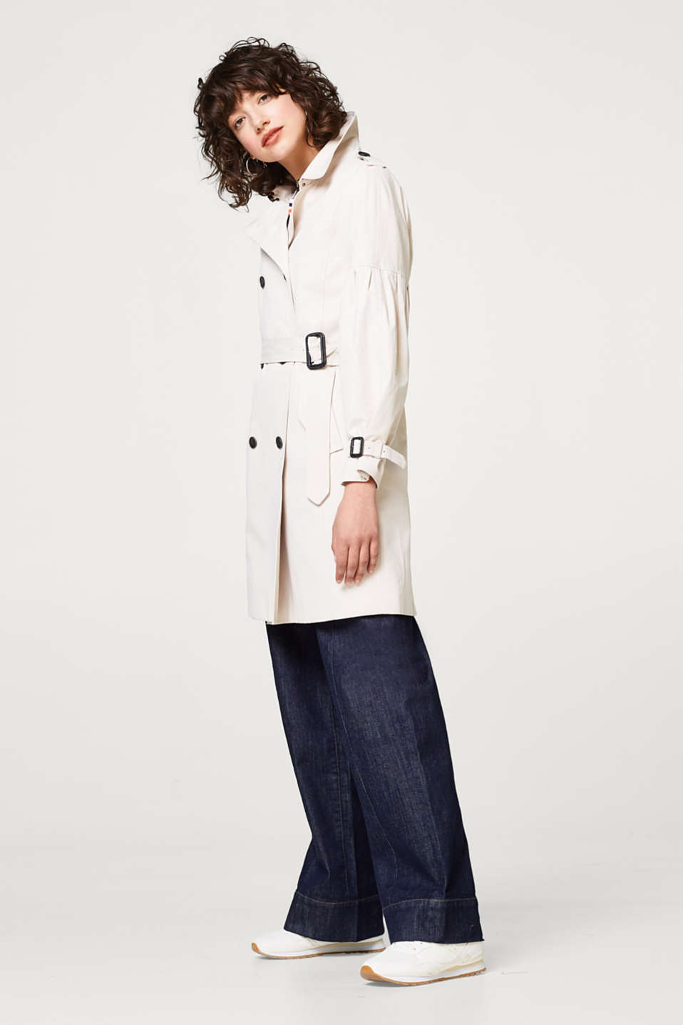Soft trench coat with balloon sleeves