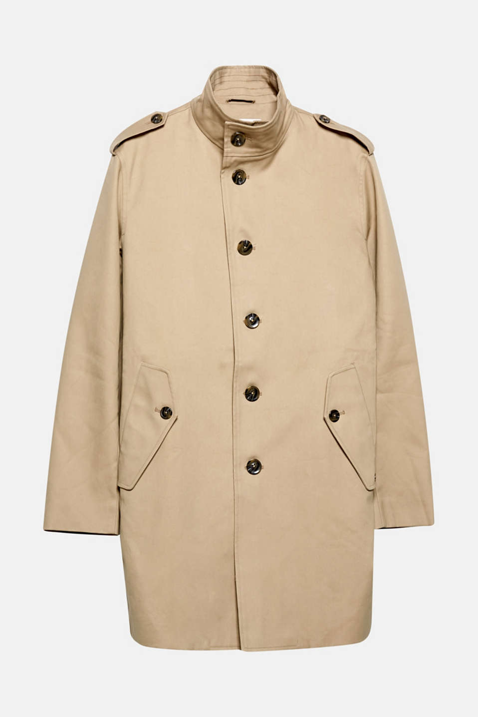 A modern yet timeless coat update: the wide stand-up collar makes this coat a smart head-turner.