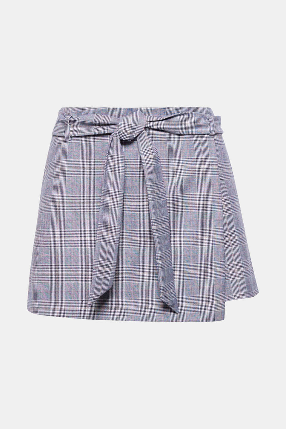 The wrap-over effect with a bold bow detail instantly transforms these shorts into a stylish skirt.