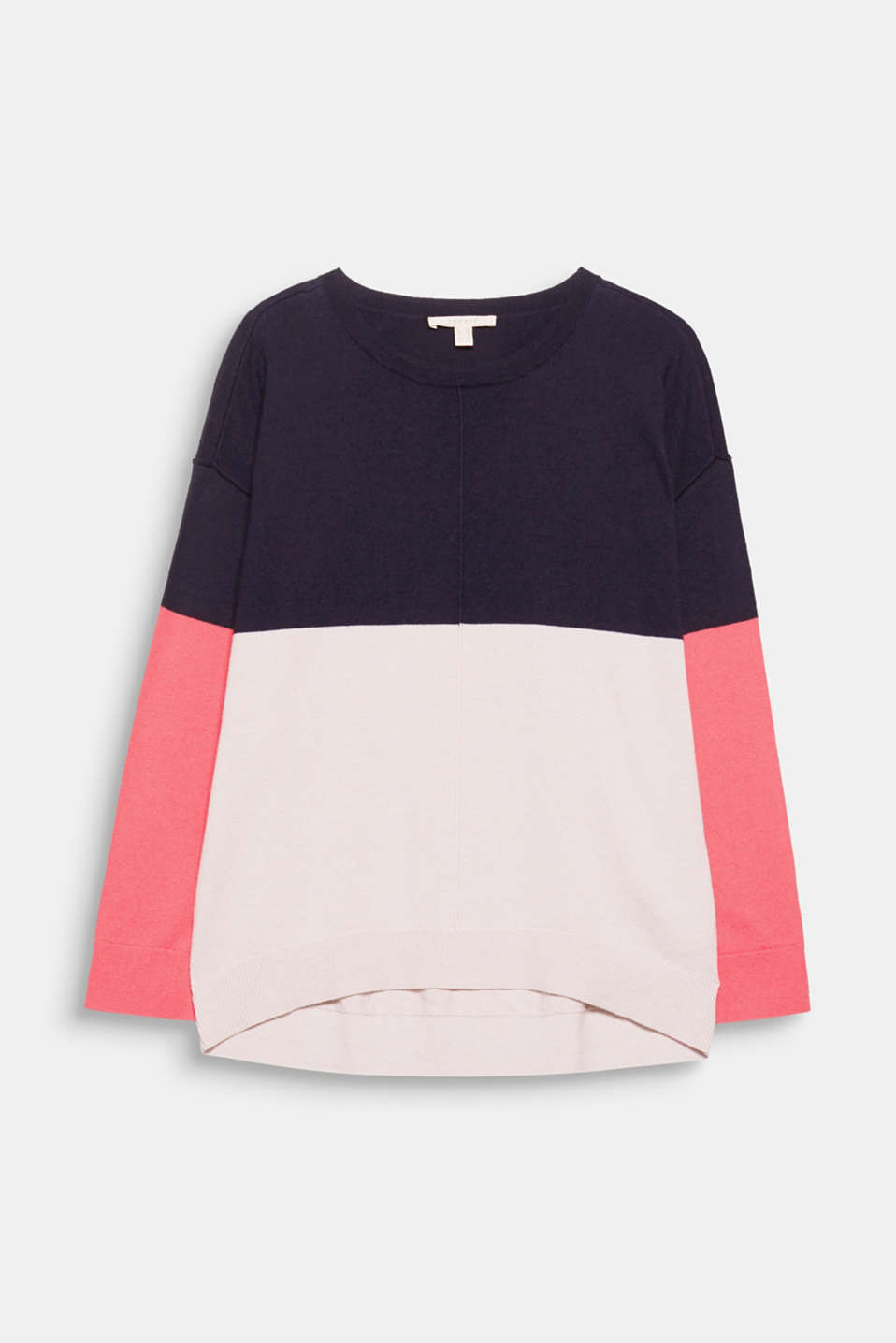 This jumper feels luxurious to wear thanks to the touch of cashmere and features a trendy colour blocking design!