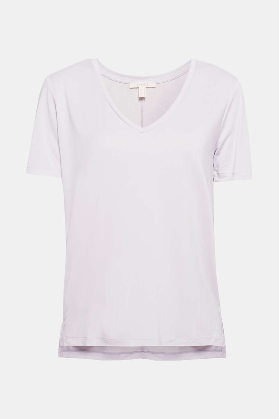 Thanks to its casual design, the softly draped fabric and the large V-neckline, this T-shirt looks casual and elegant!