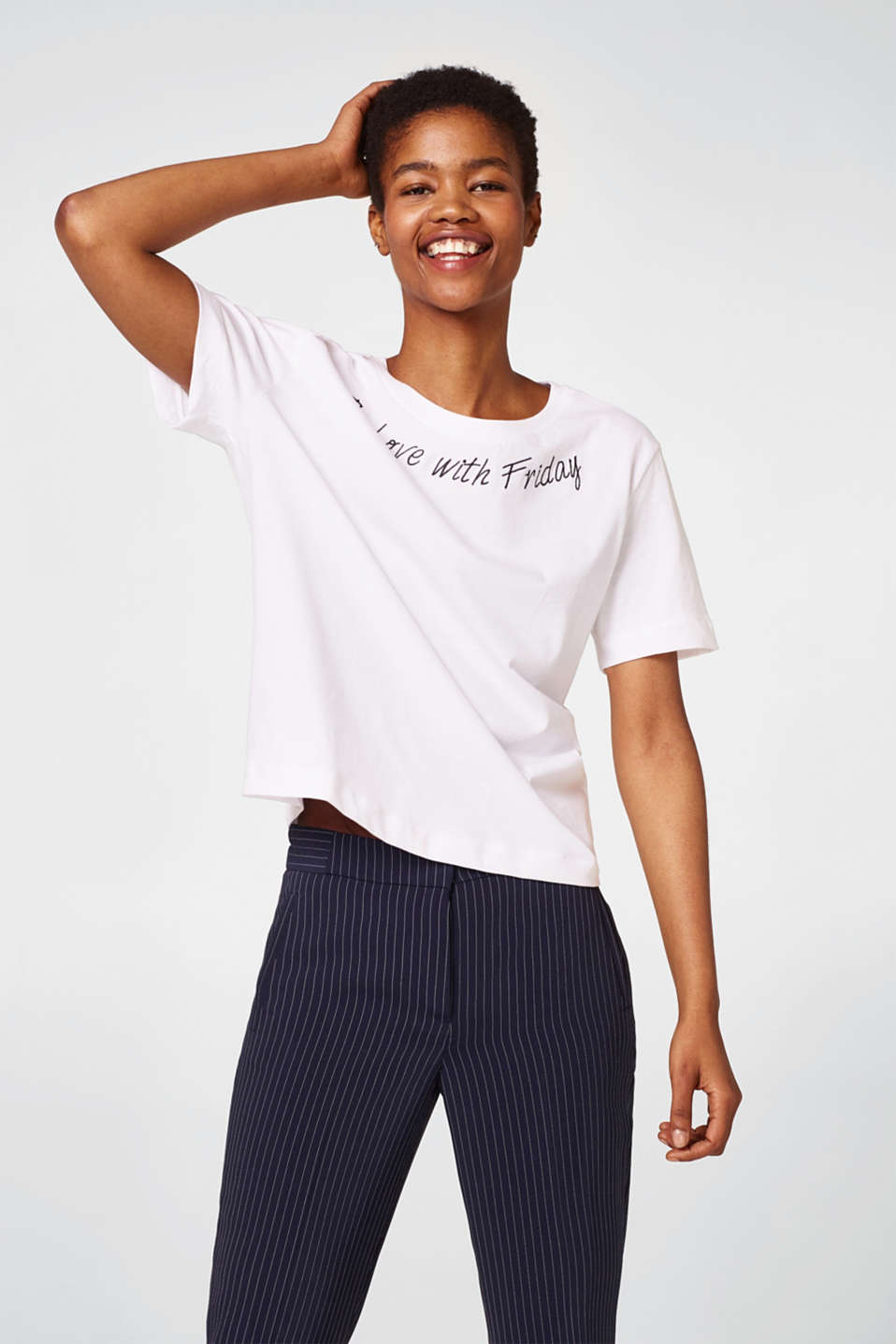 Esprit - Embroidered T-shirt in organic cotton