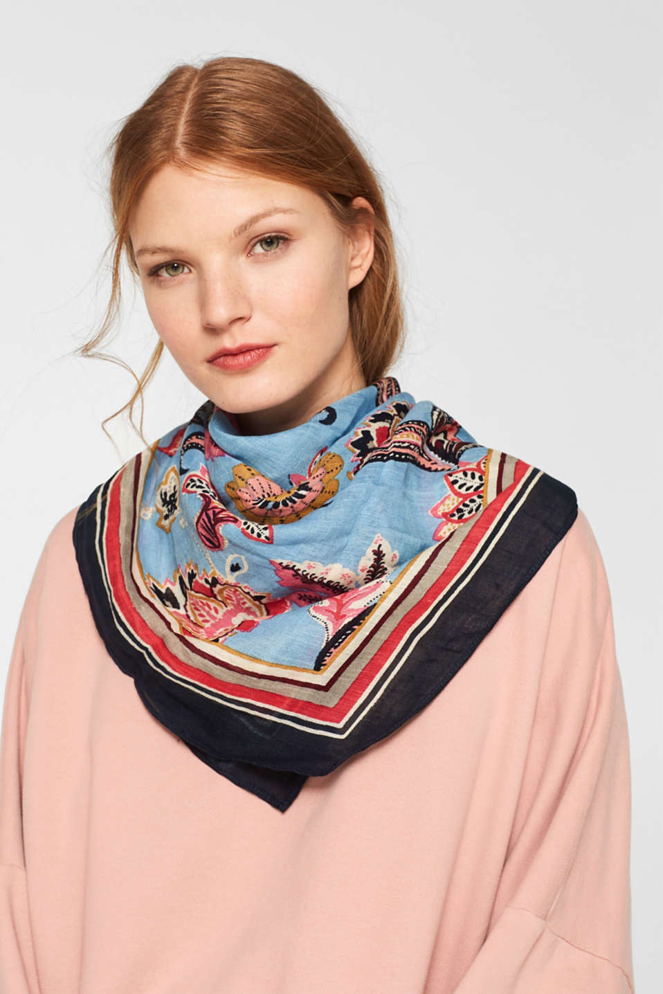 Linen blend: scarf with a floral print, LIGHT BLUE, detail image number 1