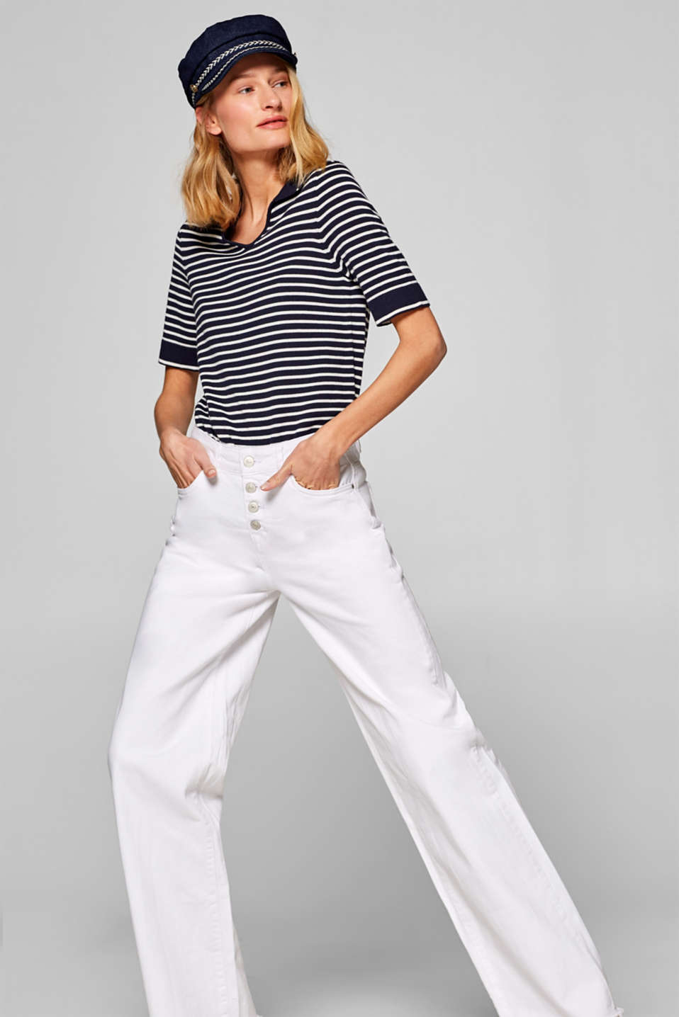 edc - Stretch jeans with a wide leg and button fly