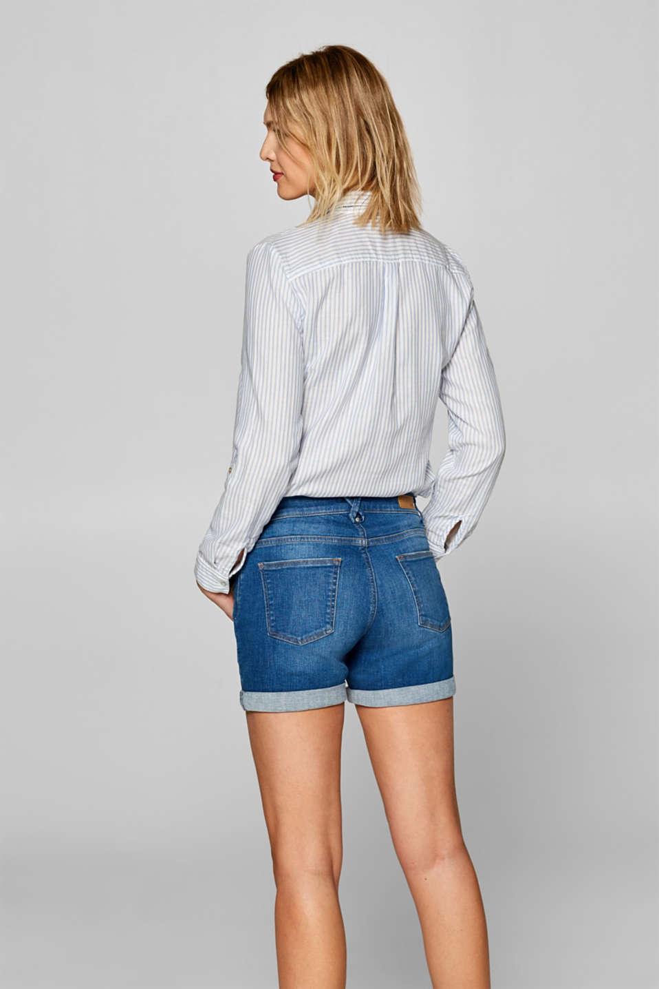 Stretch denim shorts with whiskering, BLUE MEDIUM WASH, detail image number 3