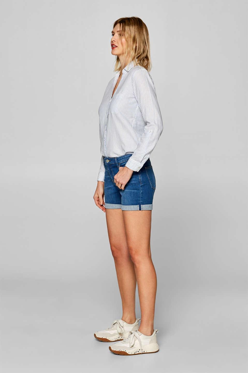 Stretch denim shorts with whiskering, BLUE MEDIUM WASH, detail image number 5