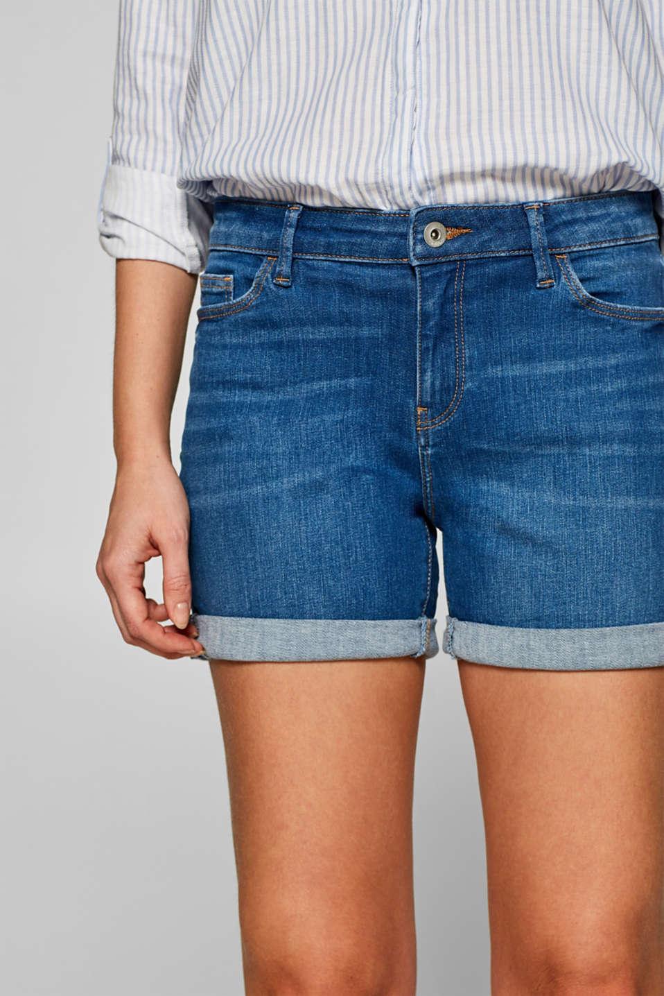 Stretch denim shorts with whiskering, BLUE MEDIUM WASH, detail image number 2