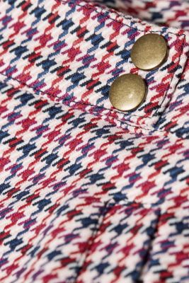 Skirt with a multi-coloured houndstooth pattern