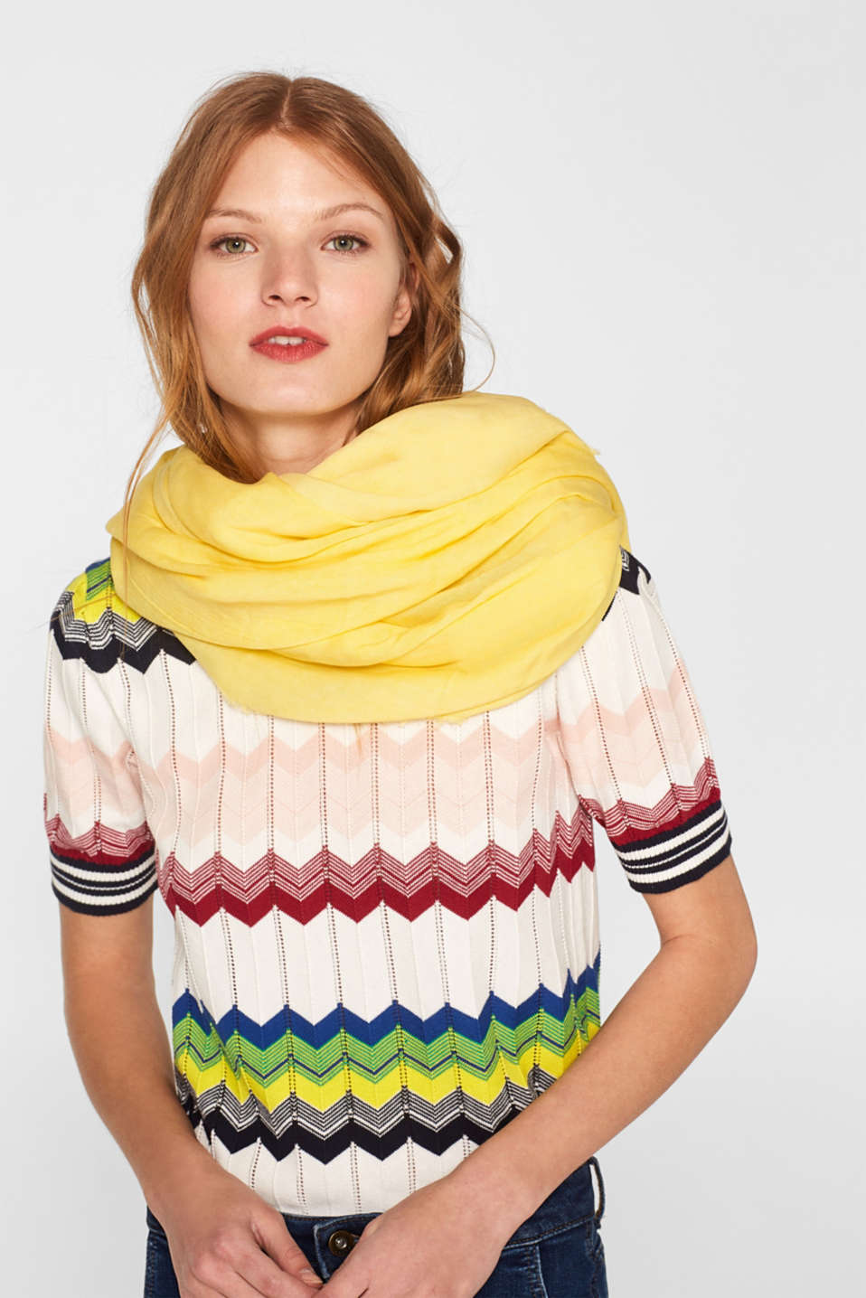Oversized scarf with a cold dye effect, YELLOW, detail image number 1