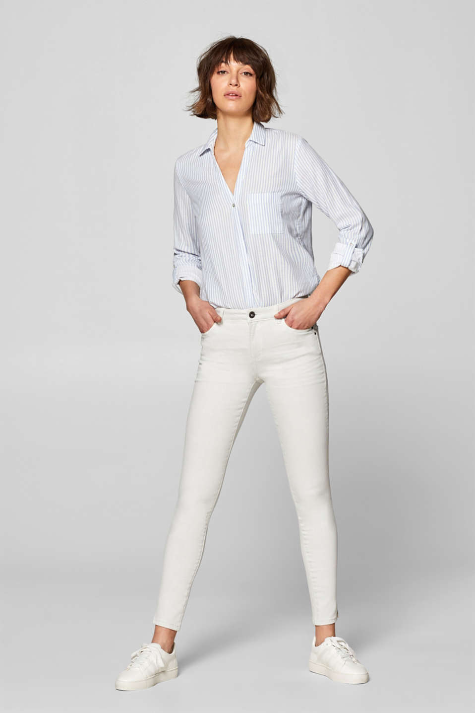 Esprit - Shaping trousers with wrinkle effects
