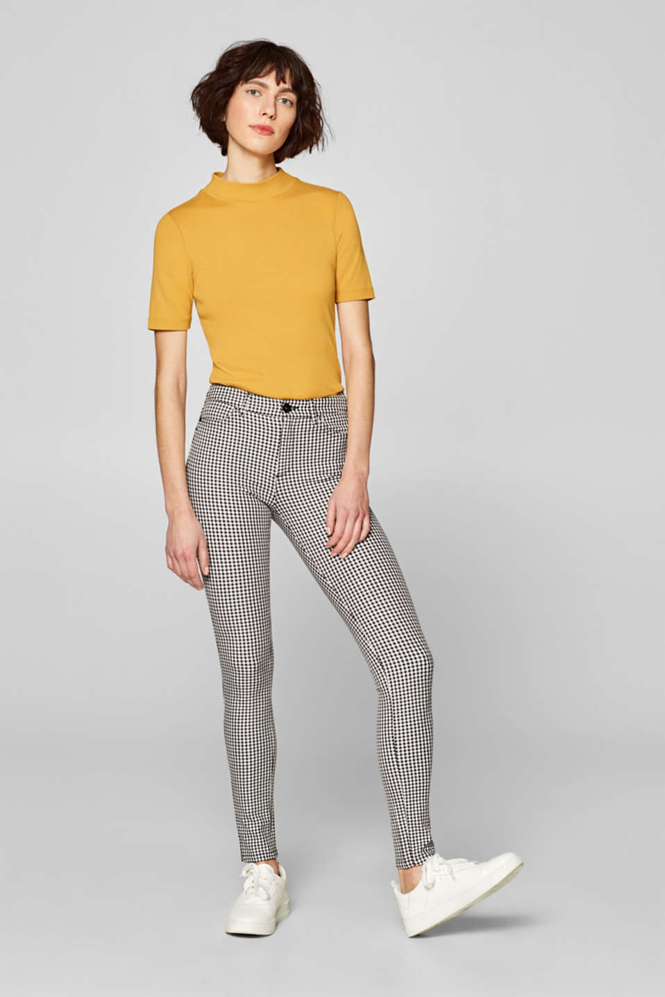 Esprit - Shaping trousers with shepherd's check pattern