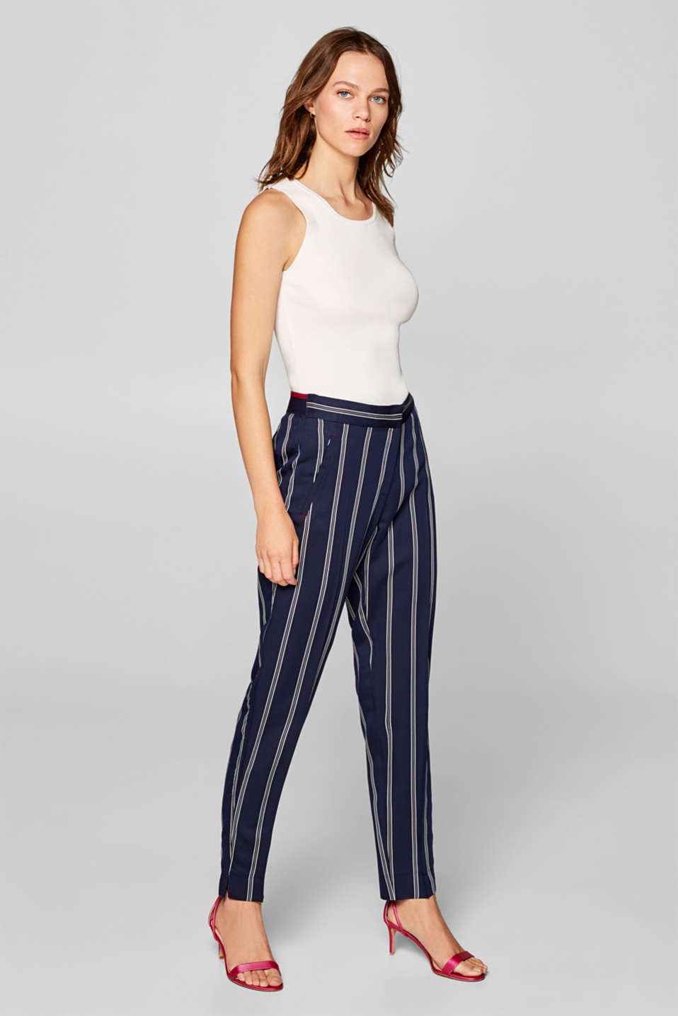 Esprit - Stripe detail chinos with an elasticated waistband
