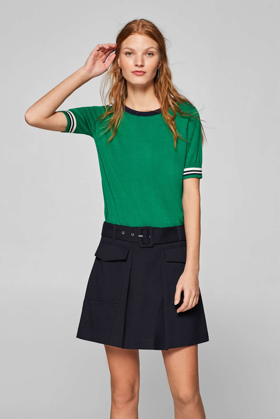 Esprit - Pleated skirt with stretch and front pockets