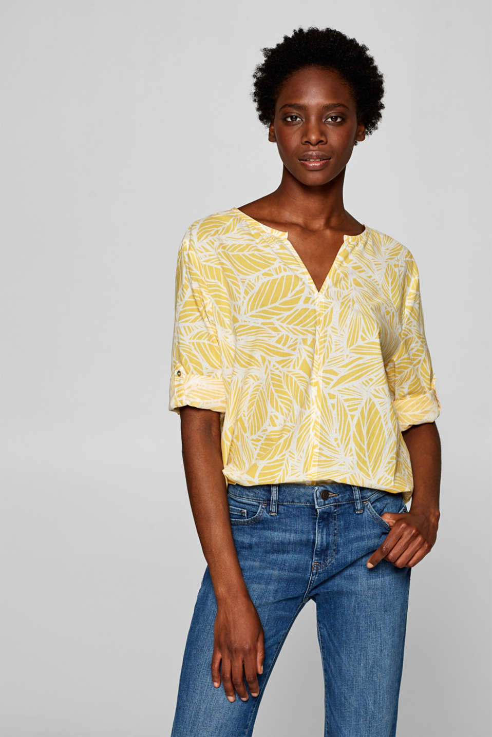 Esprit - Delicate blouse with turn-up sleeves