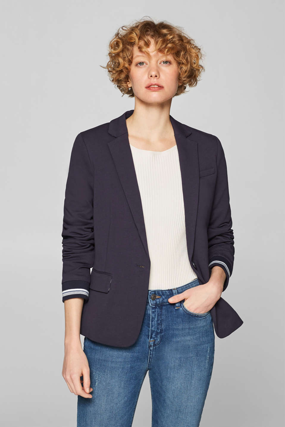 Esprit - Fitted jersey blazer with ribbed cuffs