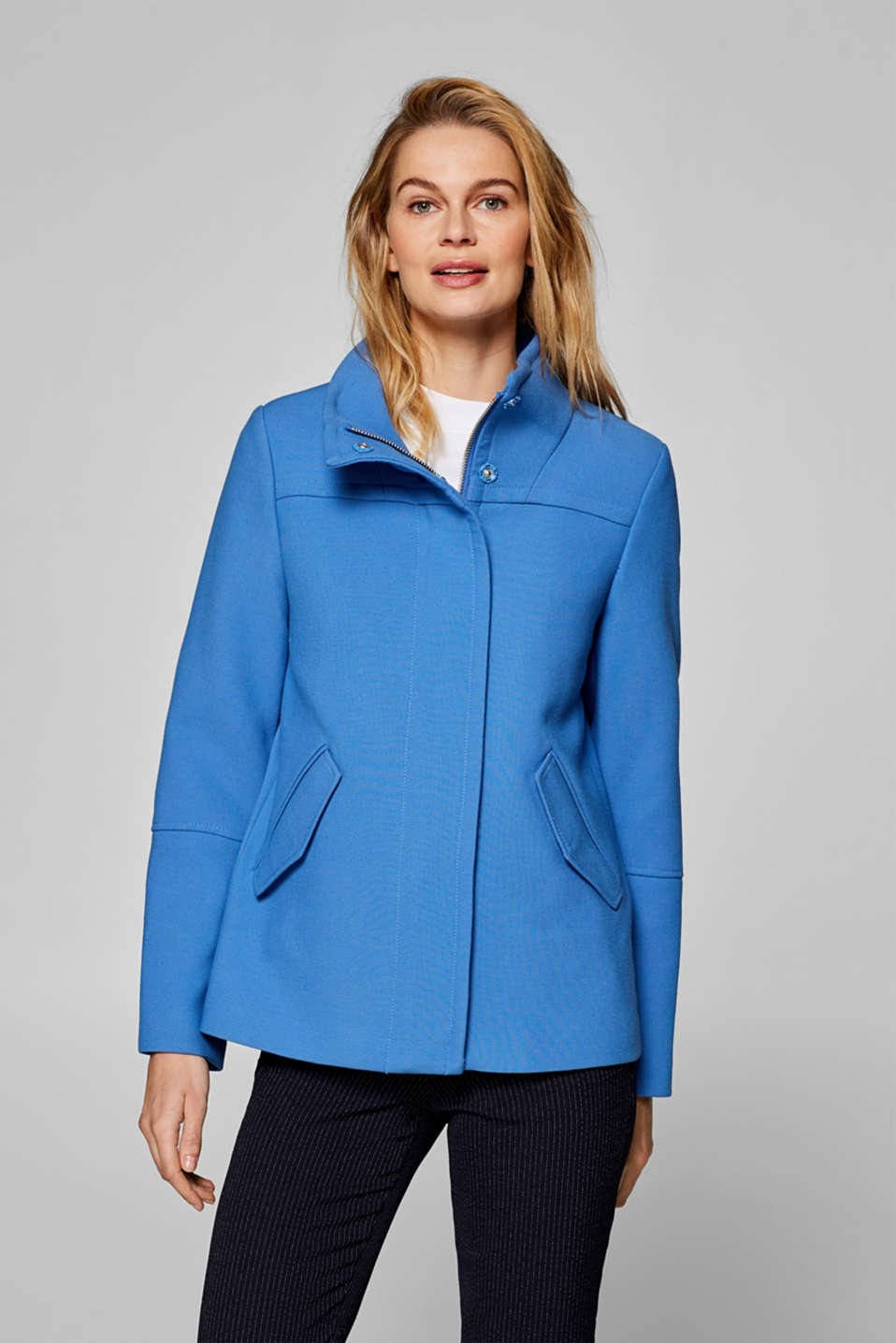 Esprit - Textured jacket with a percentage of stretch and a stand-up collar