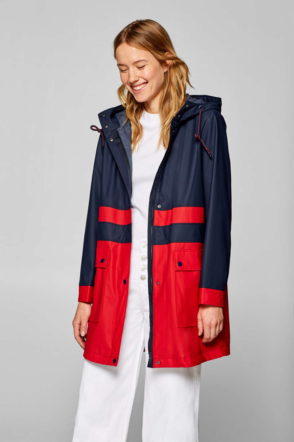 Esprit - Parka à capuche enduite au look colour blocking