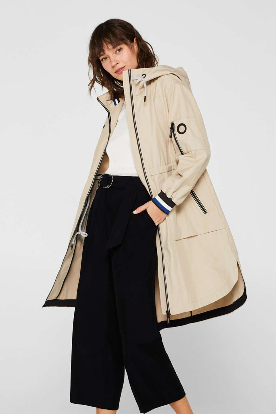Esprit - Hooded parka with contrast details