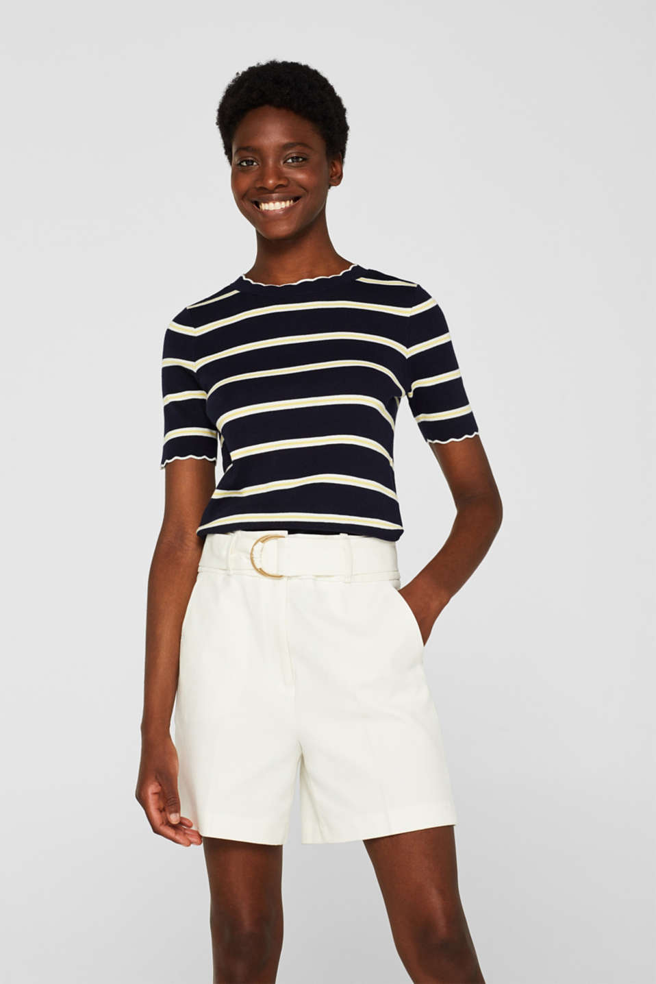 Esprit - Short sleeve jumper with a stripe pattern