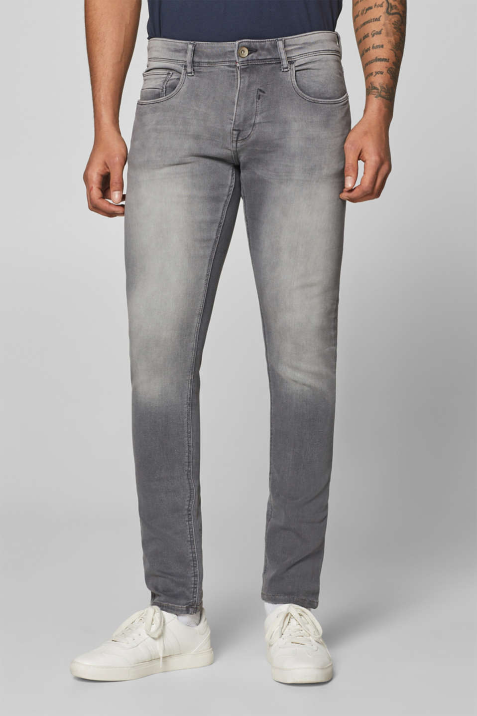 Esprit - Super stretch jeans made of tracksuit fabric