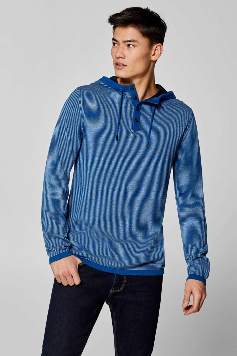 Esprit - Knitted hoodie in 100% cotton
