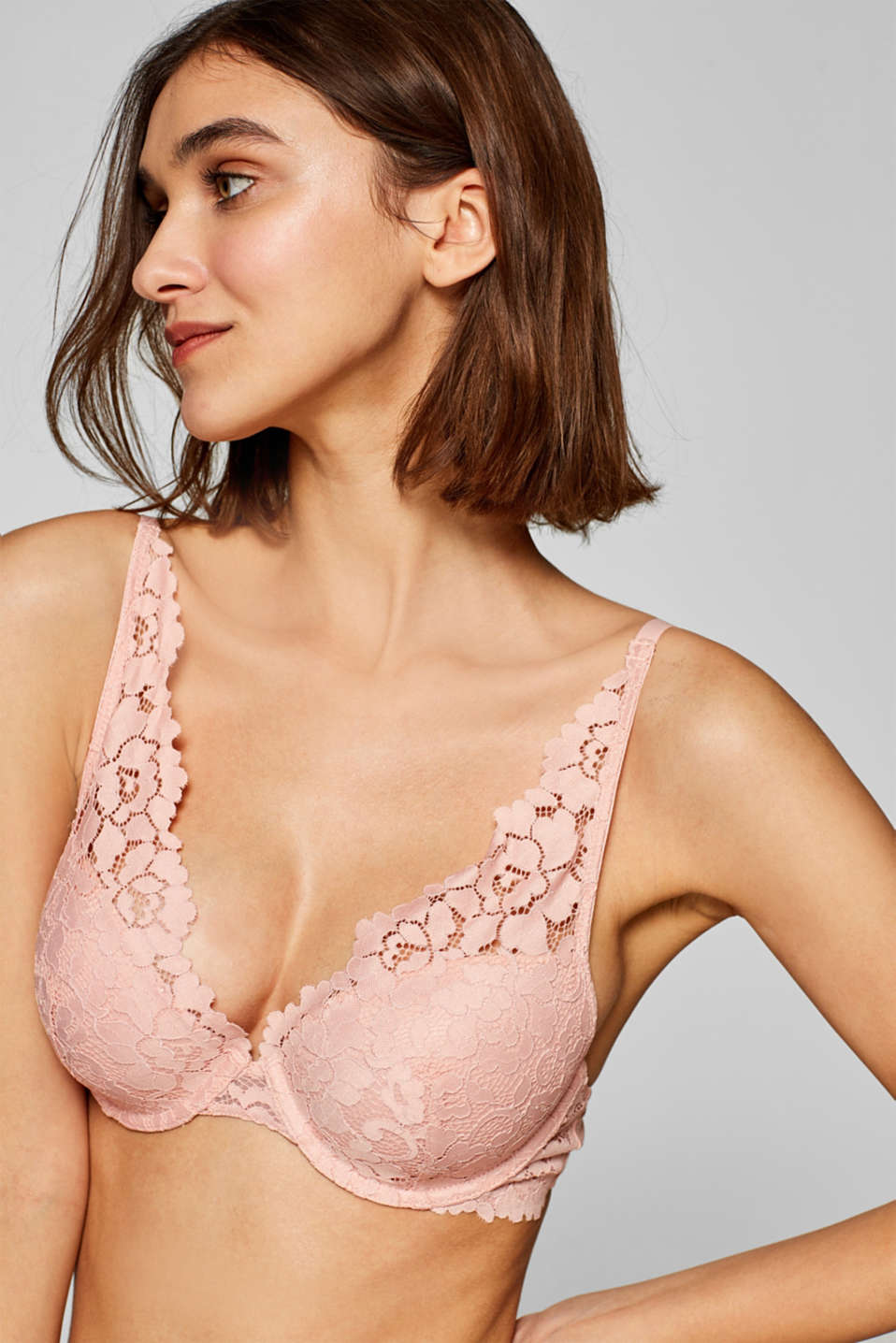 Esprit - Padded underwire bra made of lavish lace
