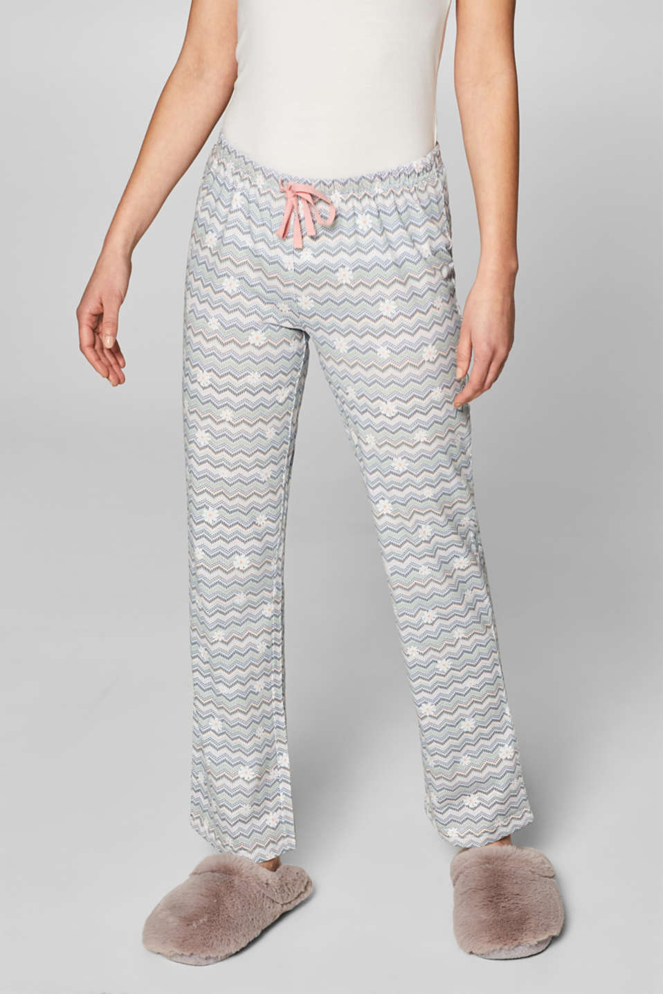 Esprit - Jersey trousers with a zigzag print and flowers