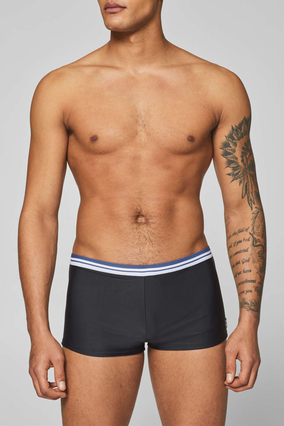 Esprit - Retro shorts with a striped waistband