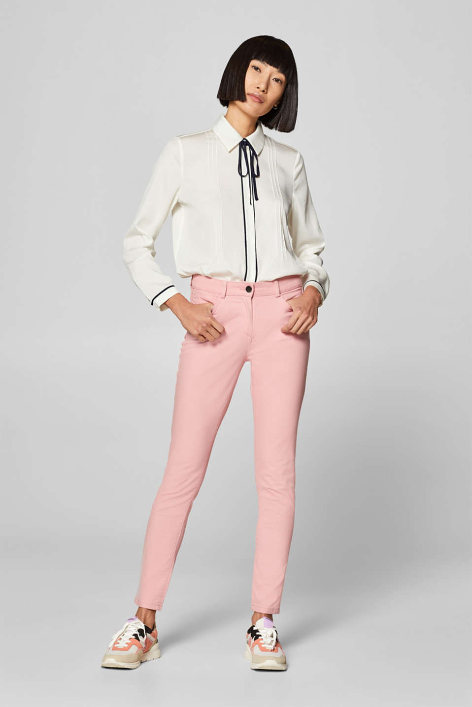 Esprit - Stretch trousers with a soft satin finish